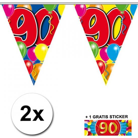 90 jaar vlaggenlijnen 2x met gratis sticker (bron: Feestwinkel Fun en Feest)