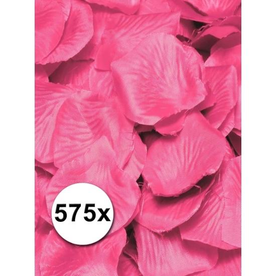 Kunst rozenblaadjes roze 575 stuks (bron: Feestwinkel Fun en Feest)