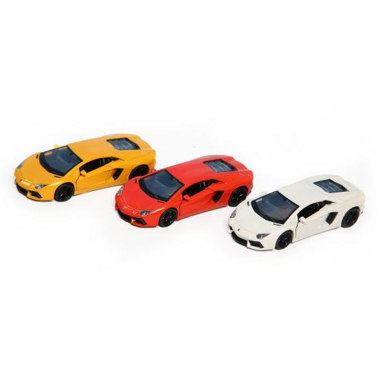 Lamborghini Aventador LP700-4 (bron: Feestwinkel Fun en Feest)