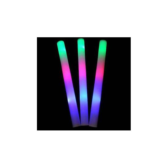 Lichtgevende gekleurde glow stick (bron: Feestwinkel Fun en Feest)