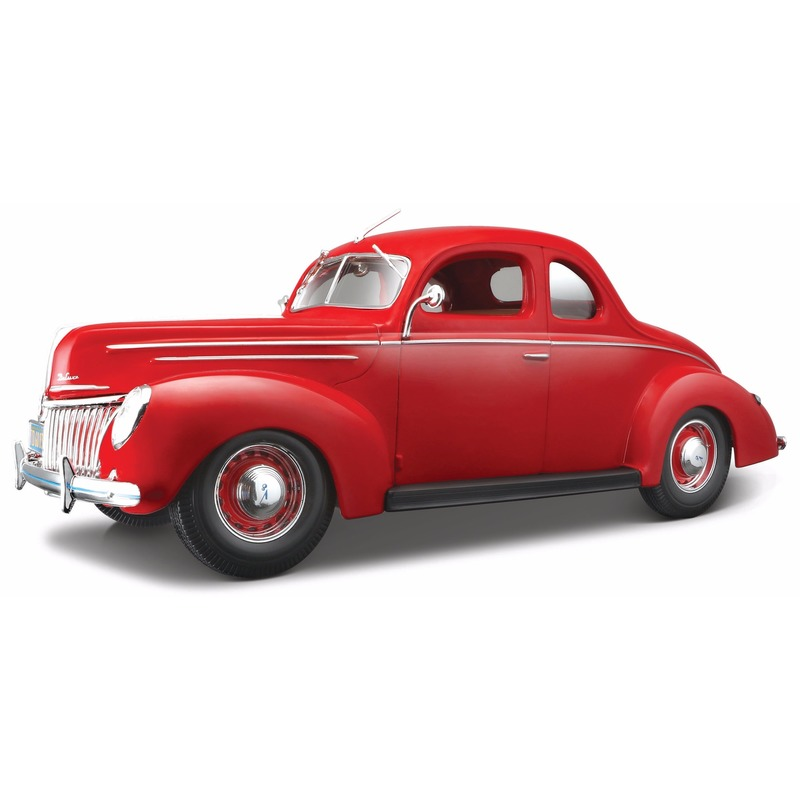 Model auto Ford 1939 Deluxe coupe 1:18