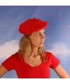 Rode dames baretten