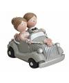 Bruidspaar in zilveren auto figuurtje