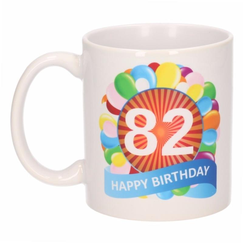 Cadeau 82 jaar mok / beker ballon thema Multi