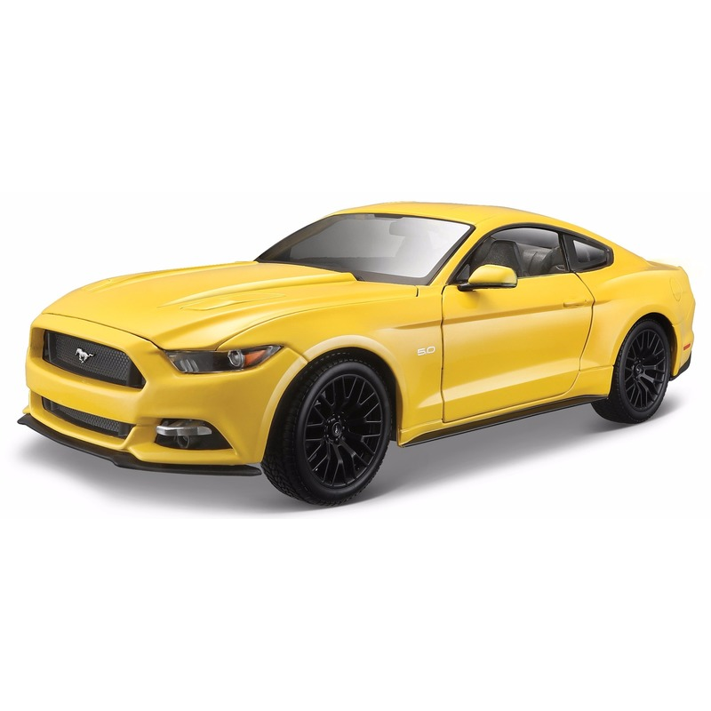 Model auto Ford Mustang 2015 1:18 Geel